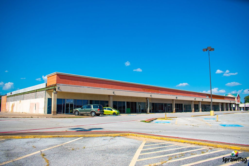 Plymouth Park Shopping Center